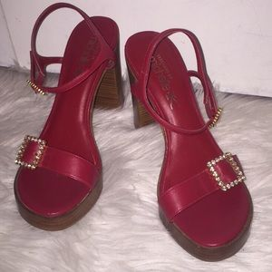 Vintage Skechers Michelle Kay red heels w/ buckle